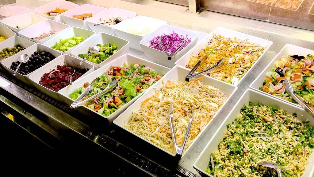 buffet-d-entrees-restaurant-mangofusion-crudites-vegetariennes-1024